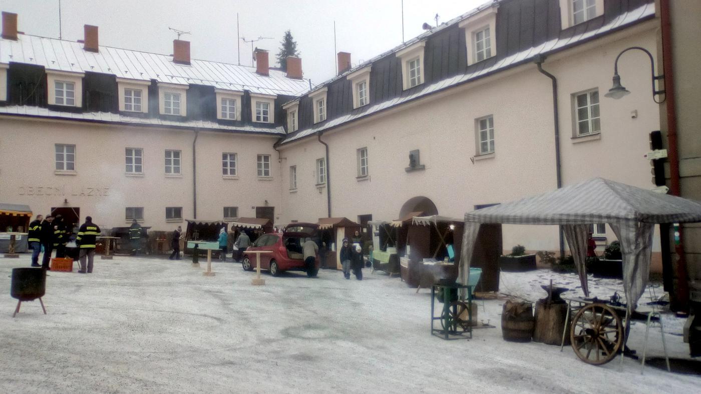 Vánoční trhy v Malých Svatoňovicích