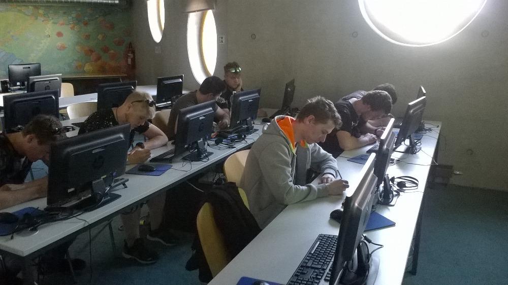 3. A ve Studijní a vědecké knihovně v Hradci Králové